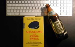 """Buchtitel """"Männer-WG mit Trinkzwang"""" von Karsten Hohage"""